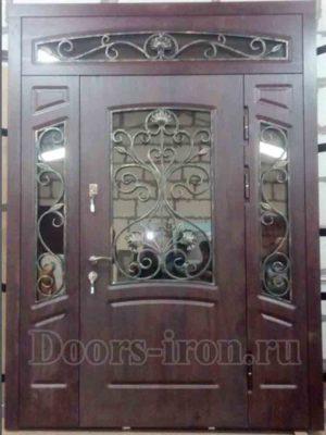 Дорогая парадная дверь массив мореного дуба