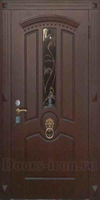 Входная парадная дверь со стеклом ковкой и кольцом