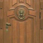 Входная дверь массив дуба светло коричневая