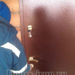 Дверь с порошковым напылением для коттеджа
