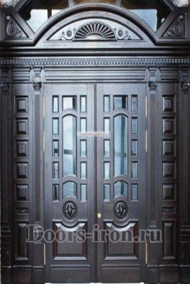 Дверь парадная двустворчатая с добавками сверху и боку
