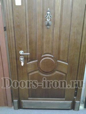 Дверь массив дуба+ковка — МДФ шпон