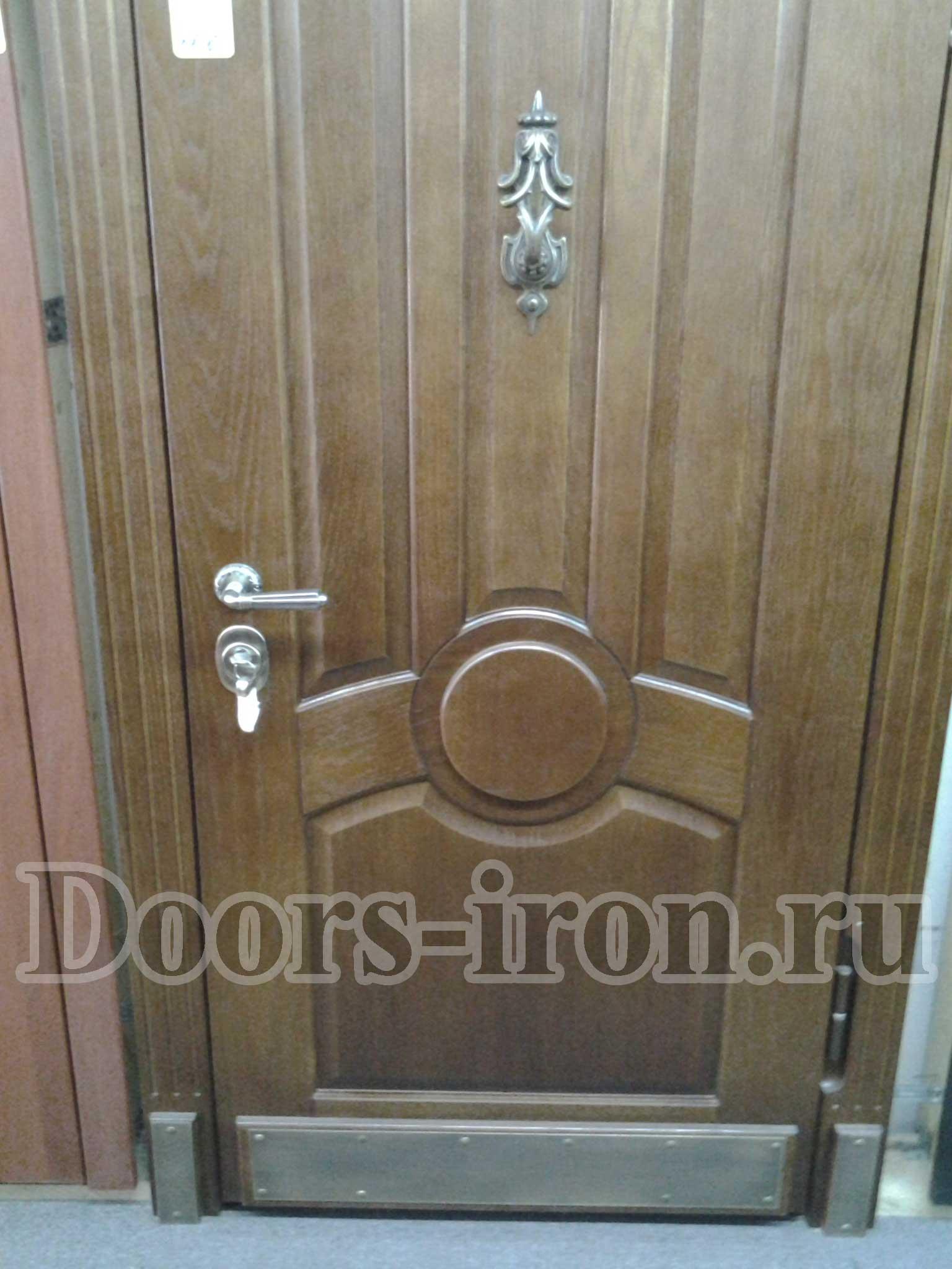дверь входная массив дуба ковка