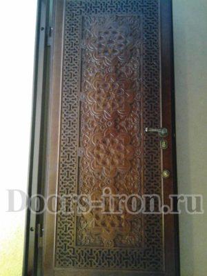 Входные металлические двери из ясеня