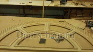 Арочная парадная дубовая дверь изготовление на заказ