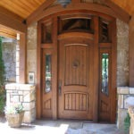 Рис. 1 Шпонированные входные двери