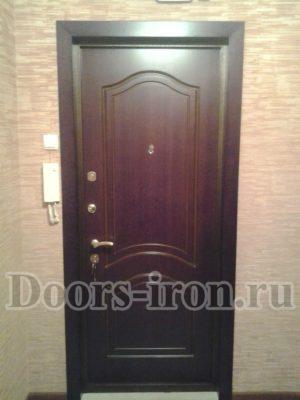 Входная дверь в квартиру мдф