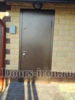 Стальные двери для дачи