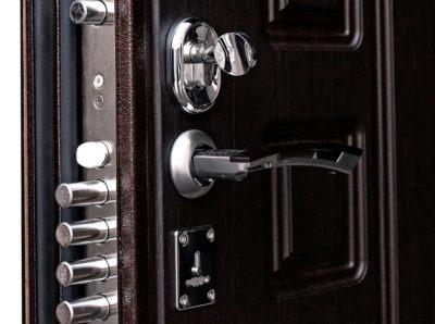Надежные замки для дверей в квартиру