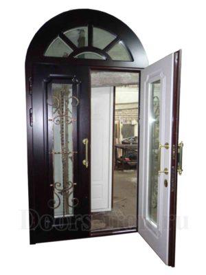 Арочная элитная дверь со стеком для коттеджа