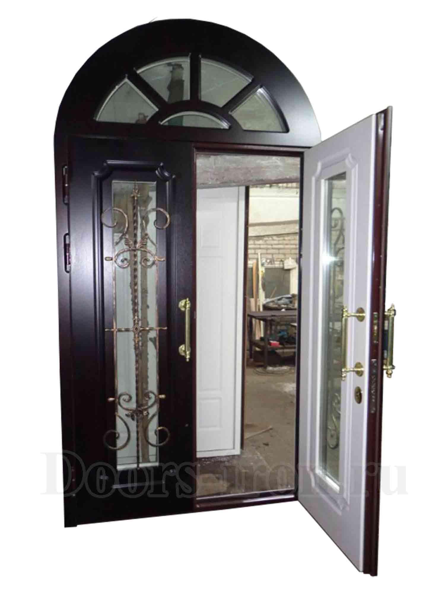 входные двустворчатые двери на заказ нестандартные