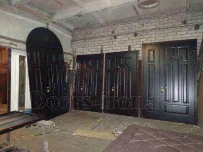 Входная дубовая двустворчатая дверь на заказ