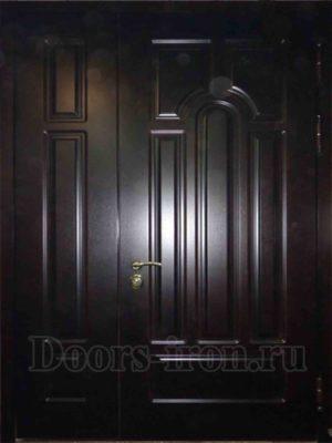 Входная дубовая двустворчатая дверь
