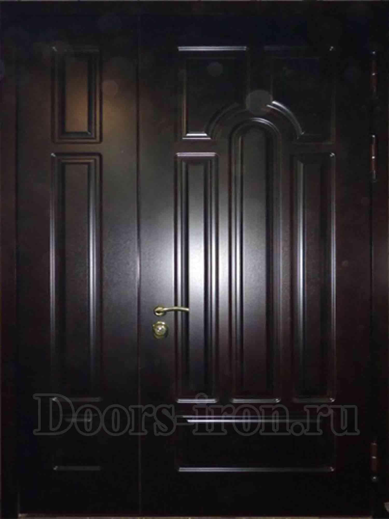 двухстворчатая входная дверь дубовая