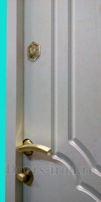 Замки на входную элитнцю дверь вид изнутри