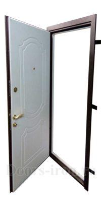 Входная элитная дверь шоколадного цвета каркас