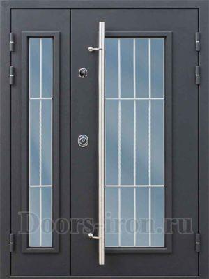 Двустворчатая полуторная входная дверь в офис со стеклом