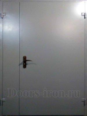 Двери в подъезд с добавкой сбоку