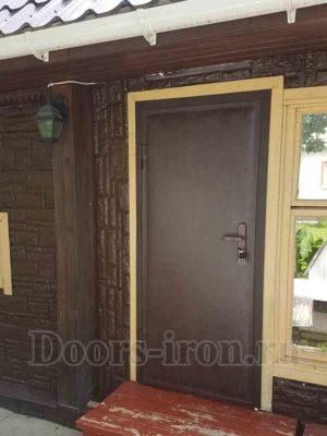 Входная металлическая дверь кожзаменитель