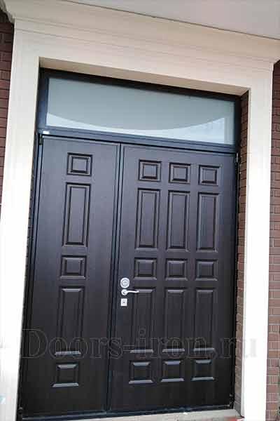 двустворчатая входная дверь со стеком сверху купить в москве