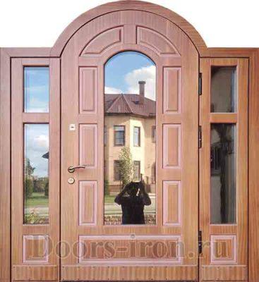 Широкая арочна стальная дверь для коттеджа