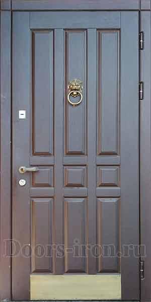 Входная дубовая филенчатая дверь с кольцом