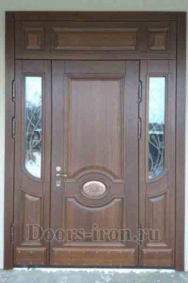 Большая дубовая входная дверь со стеклом