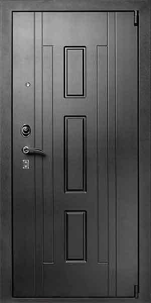 Черная входная дверь с зеркалом изнутри