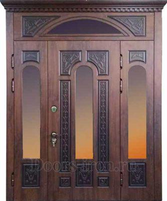 Широкая элитная входная дверь со стеклом