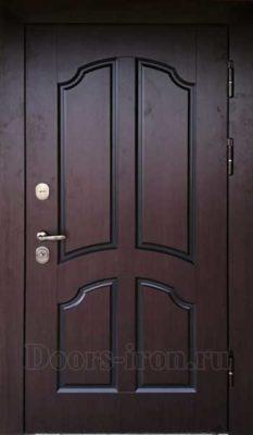Металлическая дверь с отделкой деревом