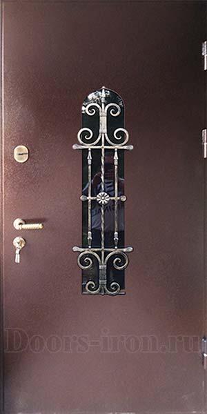 Металлическая дверь в дом с ковкой