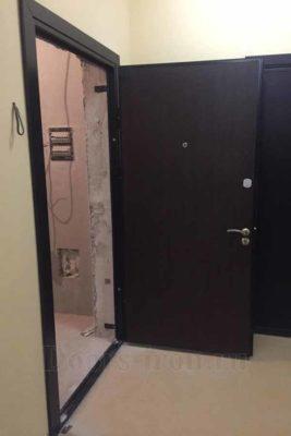 Стальная дверь ламинат