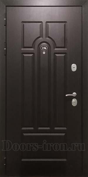 Входная дверь для квартиры коричнево-оливкового цвета