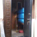 Двустворчатая дверь с отделкой мдф снаружи и порошковое напыление изнутри