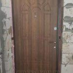 металлическая дверь с отделкой мдф бежево-коричневого цвета