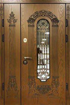 Двухстворчатая дверь с ковкой светло коричневого цвета