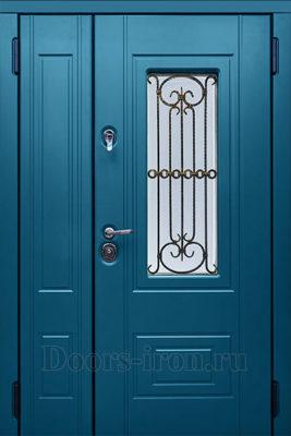 Двухстворчатая дверь со стеклом и ковкой