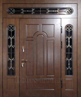 Входная парадная дверь